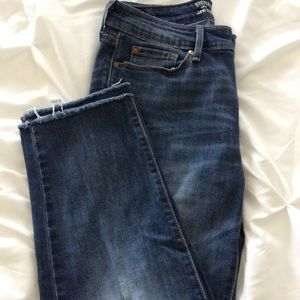 Levi's High Waist Crop Size 6